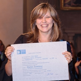 Oxana Zemtsova receiving her EUI PhD diploma